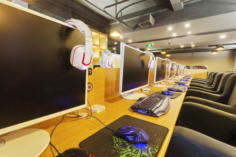 【危険!】ネットカフェにあるパソコンのセキュリティについて_サムネイル